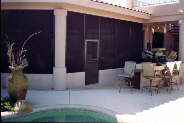 Patio Enclosure with Stub Wall
